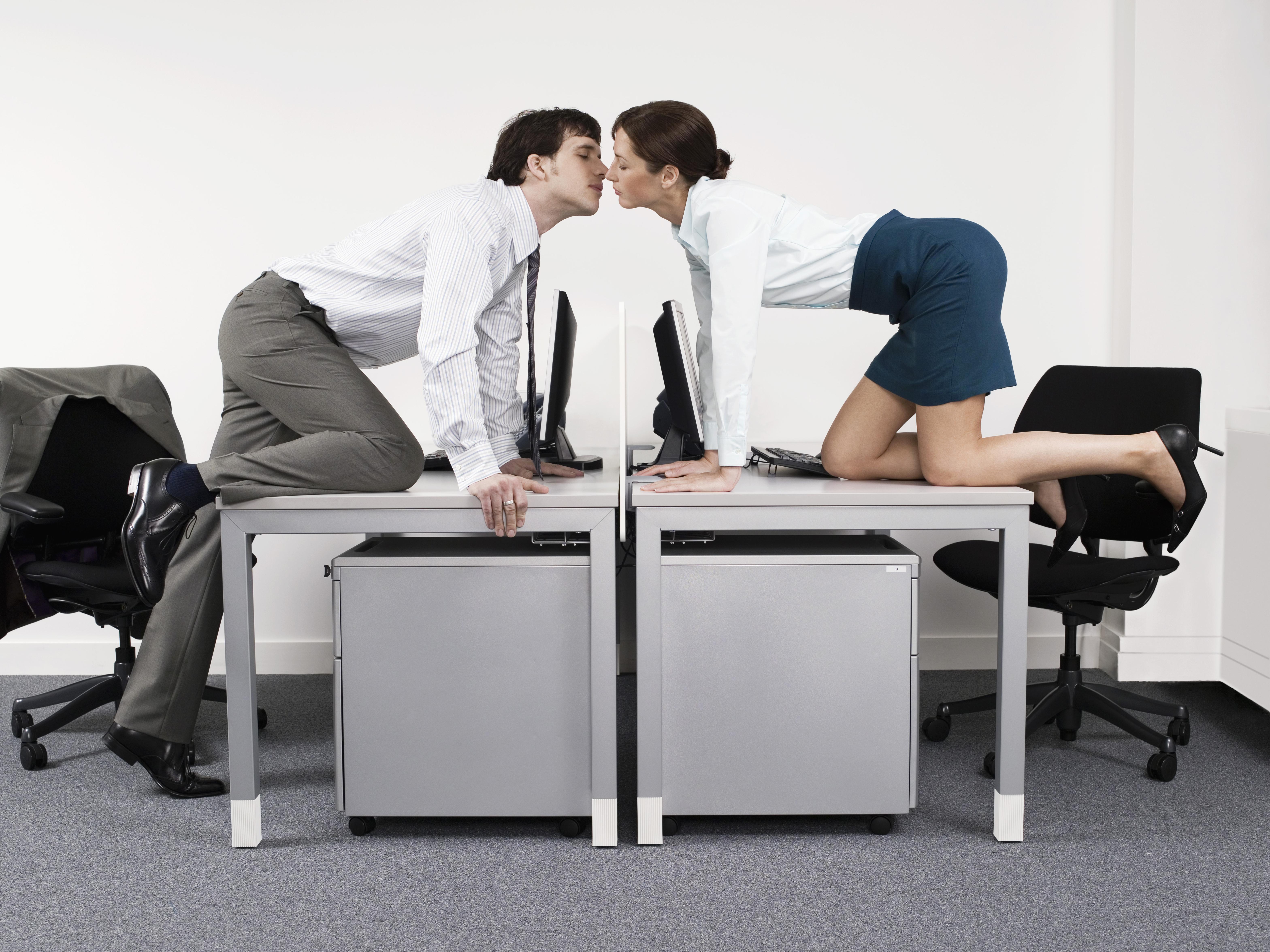 секс ролик на работе - 4